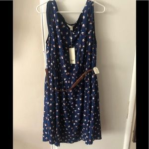 navy sparrow pattern dress with belt w/tags